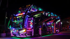 What to Expect From a Luxury Party Bus